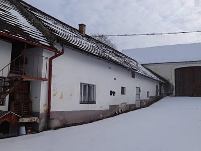 Dražba  rodinného domu 500m², pozemek 105463m²