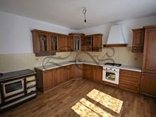 Prodej  rodinného domu 478 m², pozemek 3 009 m²