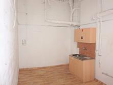 Skladové prostory na prodej, Praha 8 (Karlín)