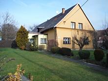 Prodej  rodinného domu 180 m², pozemek 1 291 m²