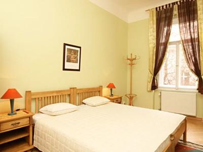 Makléř Lucie Young Home Sweet Home • Sreality.cz