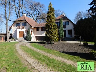 Prodej  vily 233m2, pozemek 1204m2